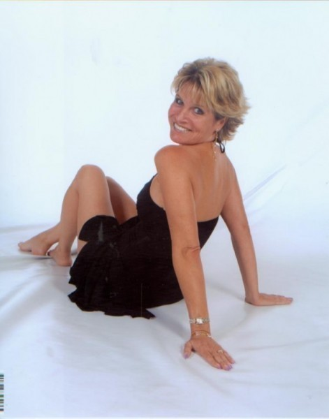 Mature Women Escort 42