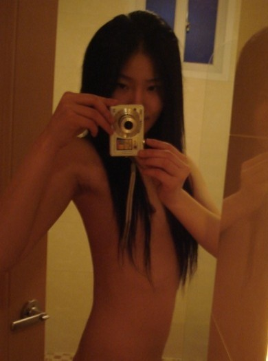 Stunning Beauty ((( SEXY ASIAN GIRL ))) waiting for YOU
